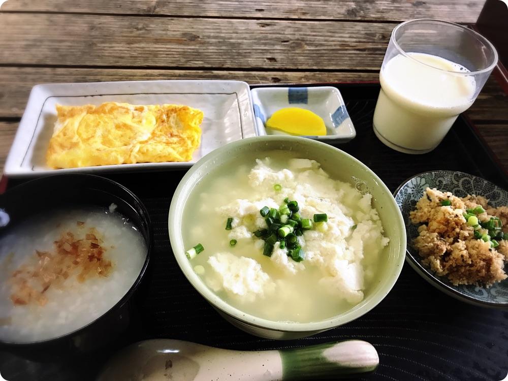 【朝食部】とうふの比嘉 お年寄りセット350円