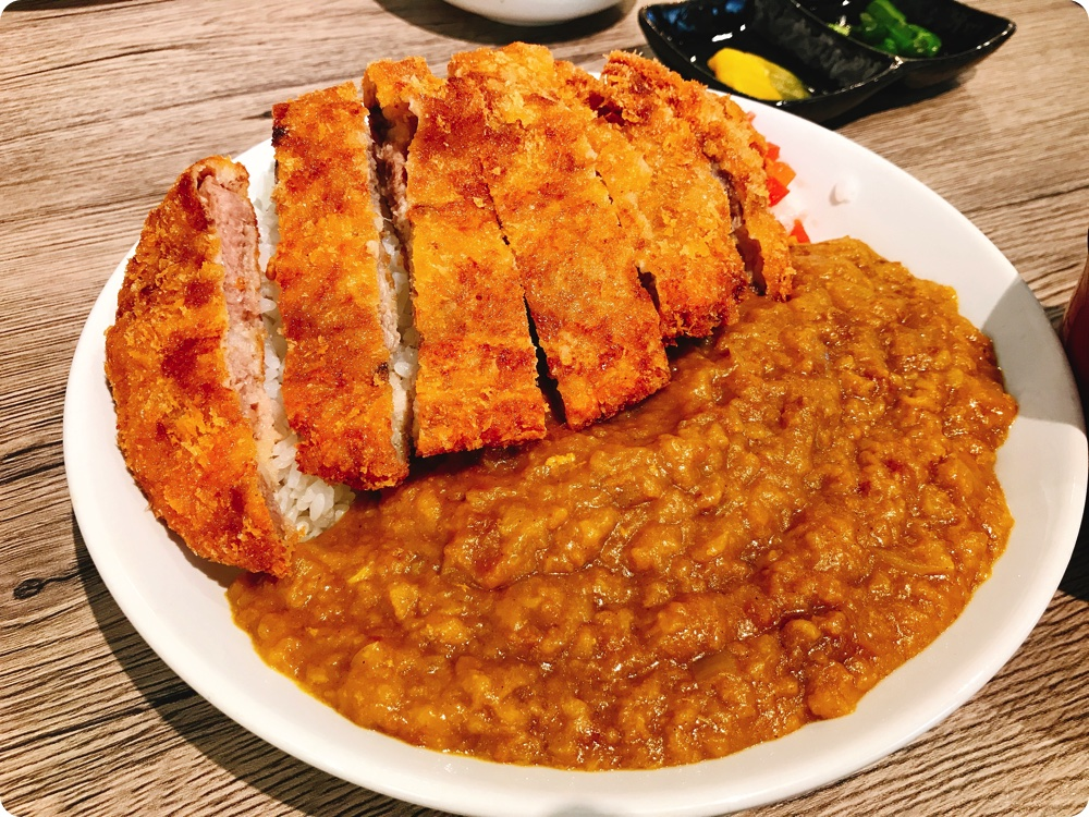 【ランチ部】平良商店 トンカツカレー定食850円