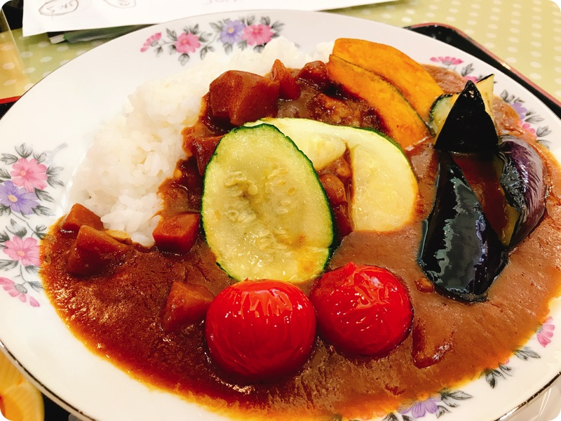 【ランチ部】石垣島食堂 夏野菜カレー大盛 380円