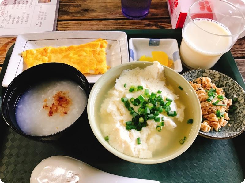 【朝食部】とうふの比嘉 お年寄りセット 350円