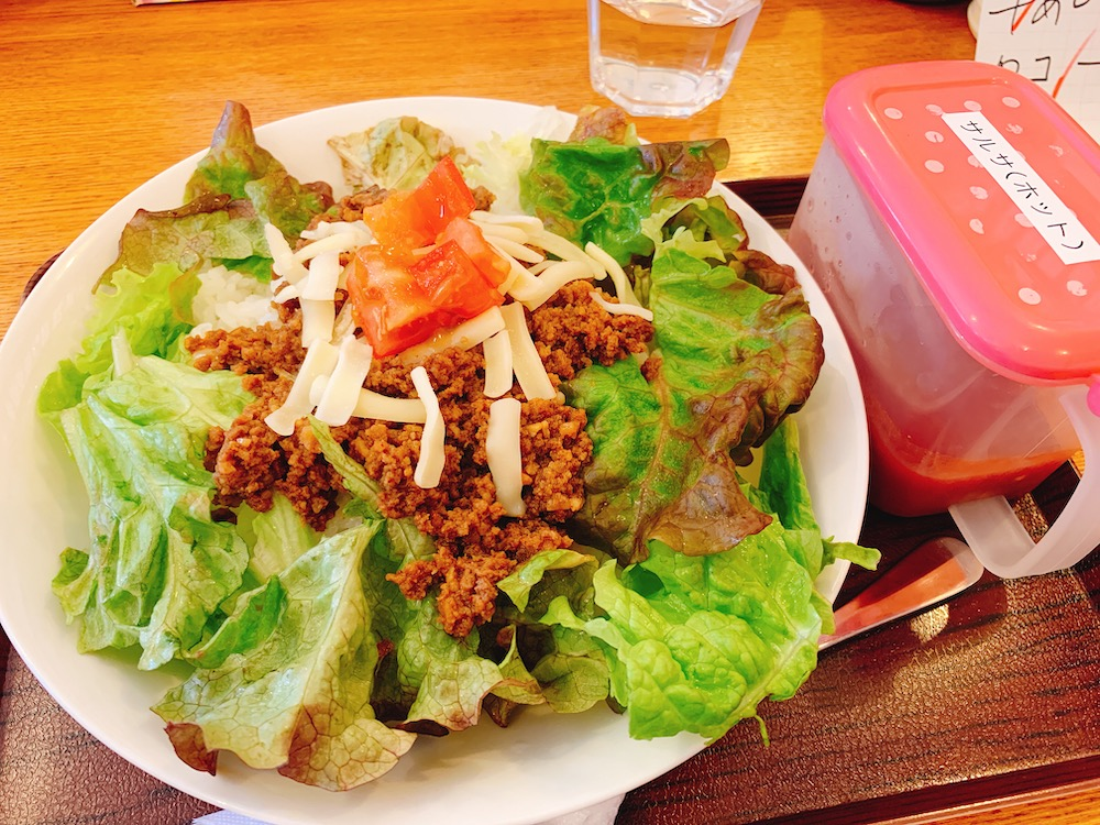 【ランチ部】あらかわ食堂 タコライス 700円