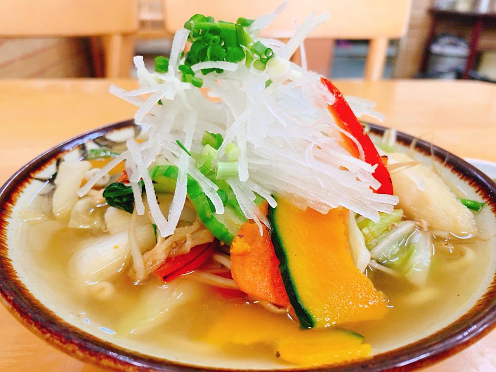 【ランチ部】マエザト食堂 野菜そば 700円