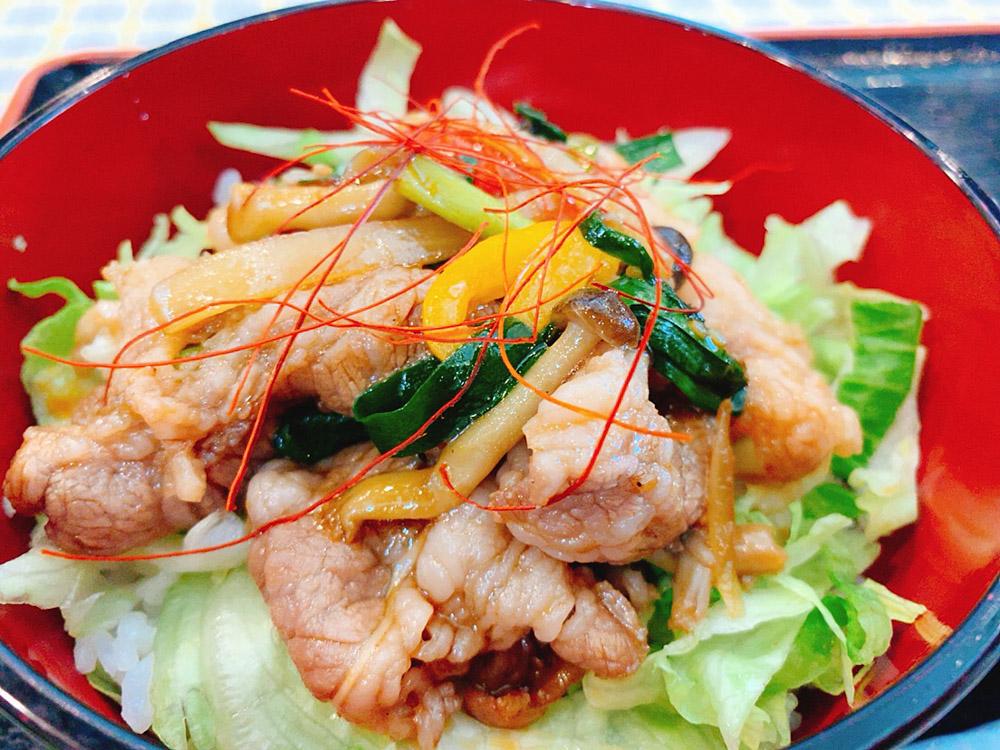 【ランチ部】石垣島食堂 牛カルビ焼肉丼 500円