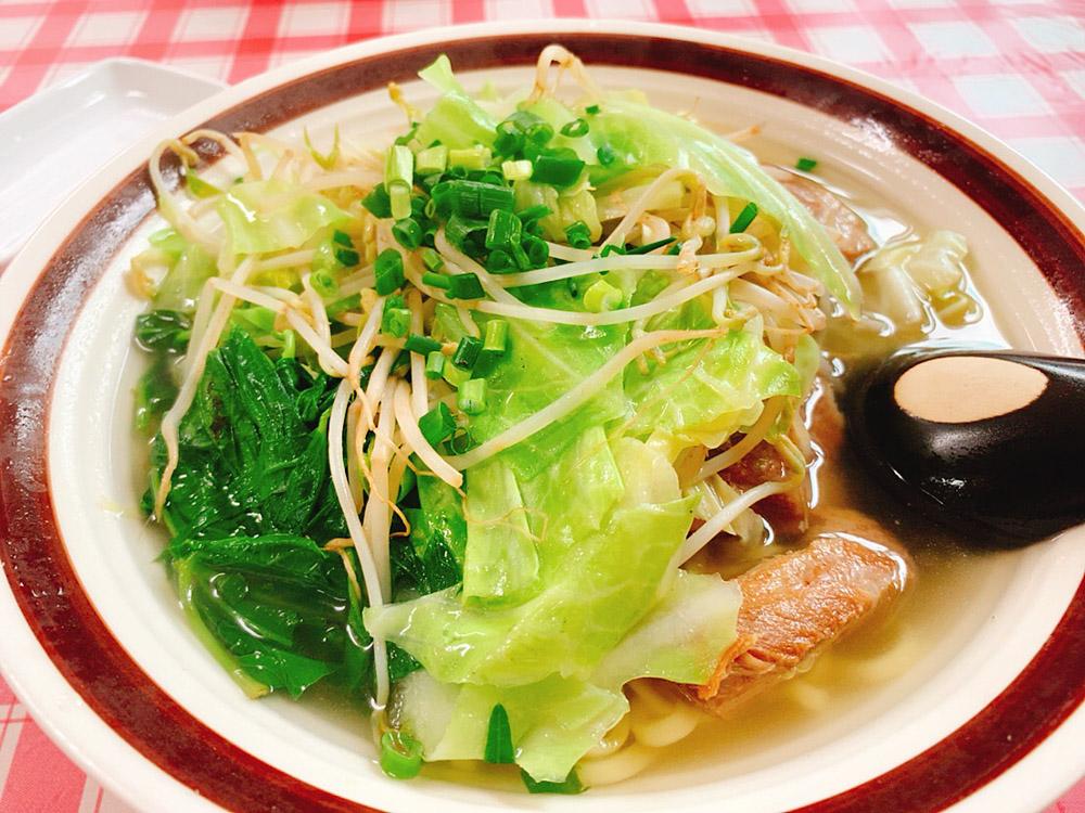 【ランチ部】西表島 新八食堂 野菜ソーキそば 900円