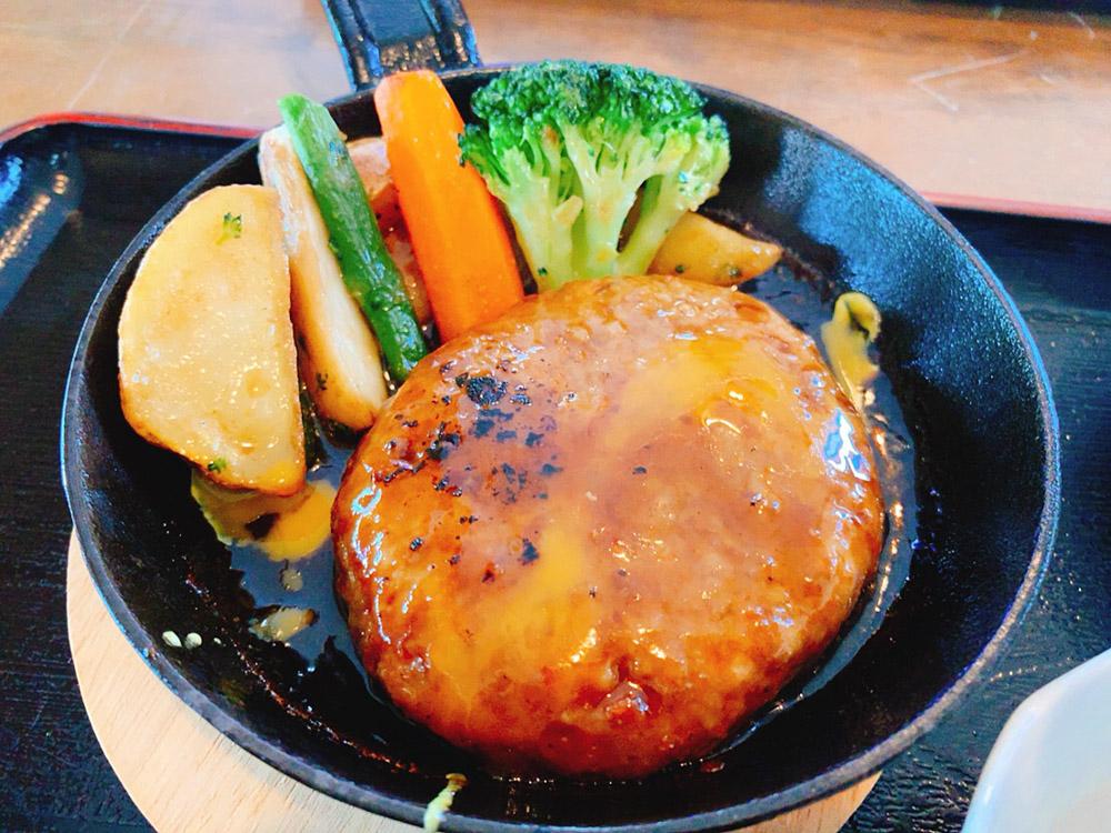 【ランチ部】西表島 満八 チーズインハンバーグステーキ 1,200円