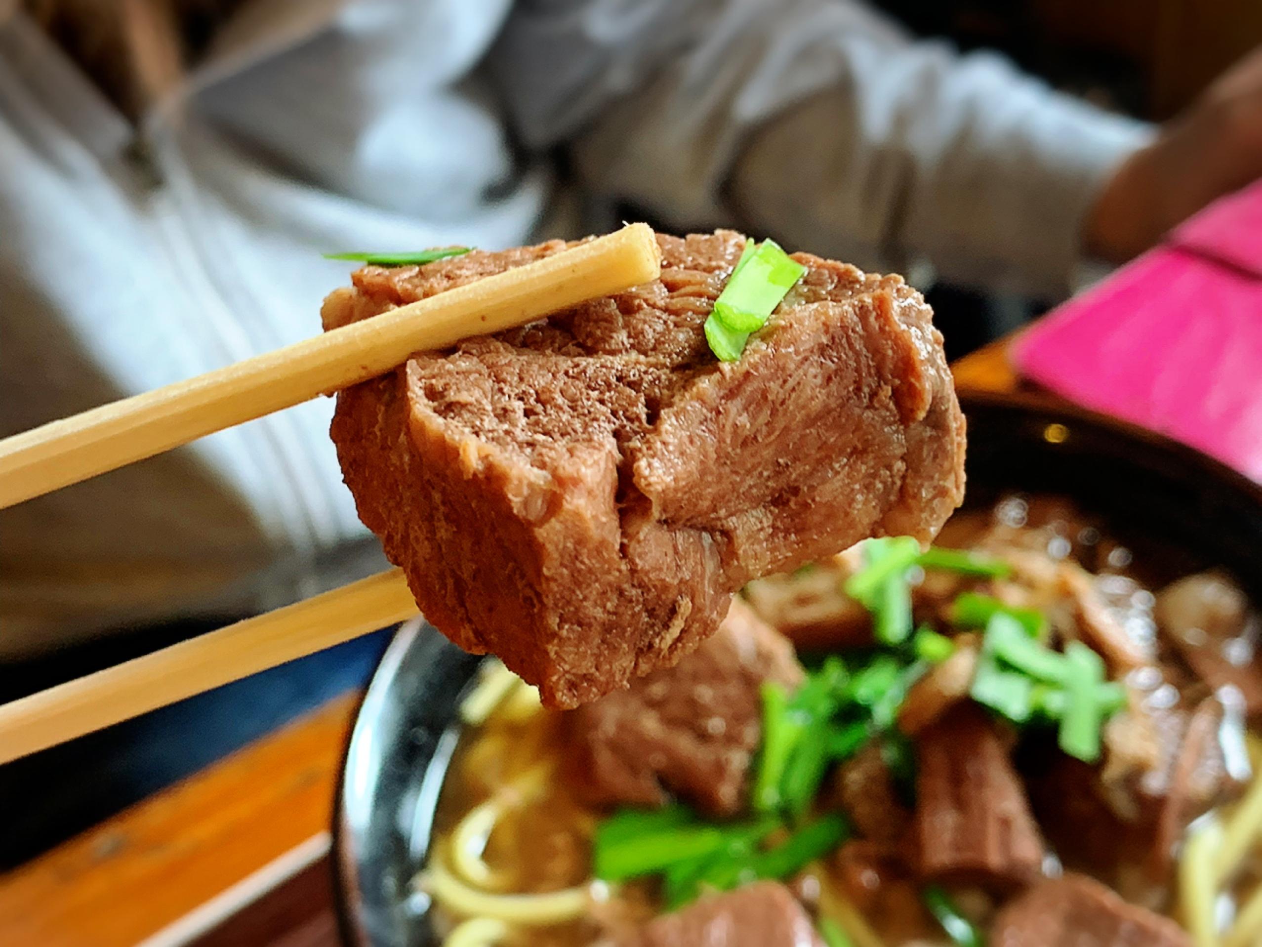 【ランチの部】牛汁、牛そば の2大看板メニューを筆頭に✨✨定食メニューも好評なアットホームな食堂✨✨✨