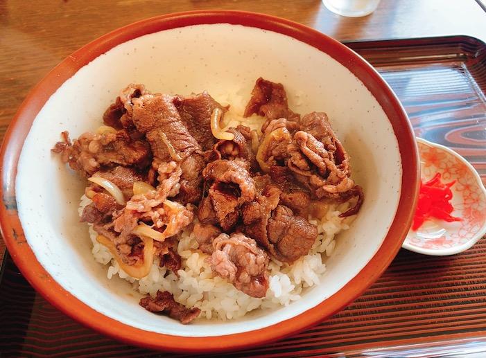 【ランチ部】西表島 猪狩家 牛丼 850円
