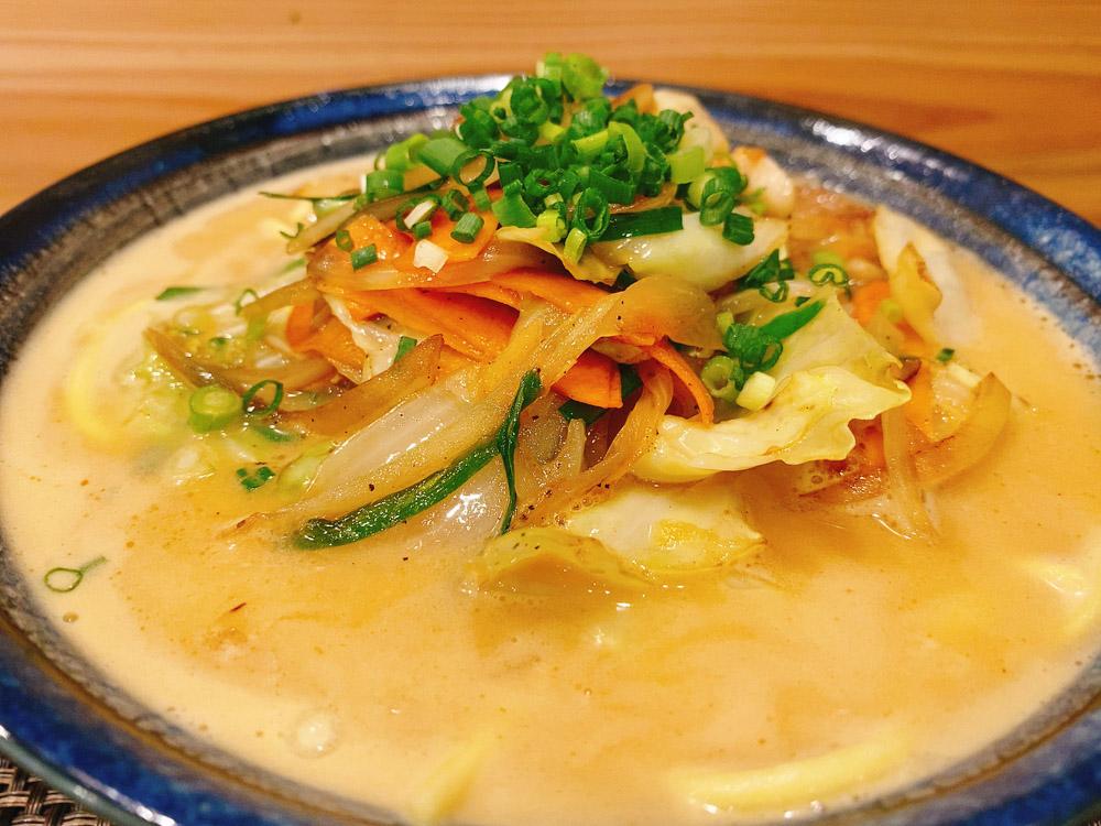 【ランチ部】もちの木食堂 野菜味噌そばピーナツ風味 750円
