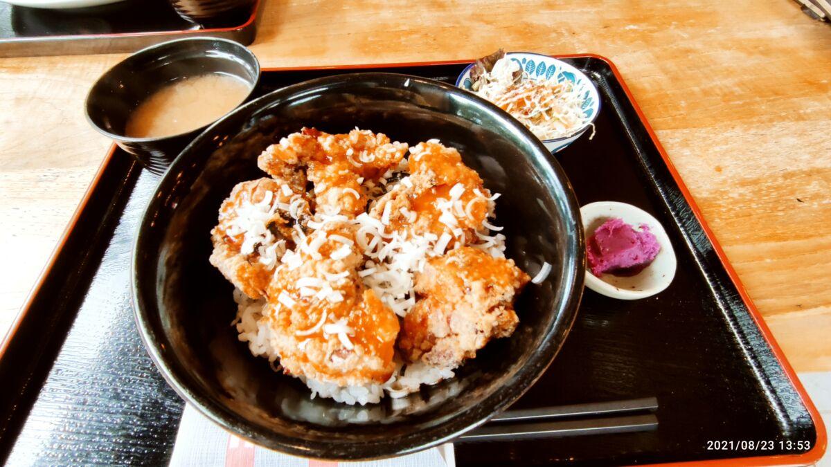 【ランチ部】サンセットコーブ からあげ丼 1,000円